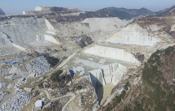 芝麻白石材矿山资源